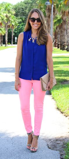 Cobalt top with peach jeans by @jseverydayfash