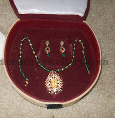 Jewellery Designs: Green Beads Simple Necklace