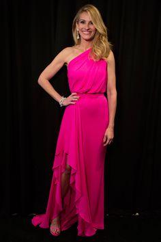 Julia Roberts in Elie Saab - Oscars 2019 Vestidos Elie Saab, Vestidos Oscar, Elie Saab Dresses, Oscar Dresses, Party Dresses For Women, Nice Dresses, Formal Dresses, Prom Dresses, Sheath Dresses