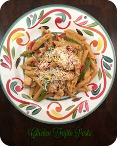 This delicious and easy Chicken Fajita Pasta Recipe featuring @BarillaUS Pronto Pasta was also affordable at just $2.30 per serving! #AnytimePasta #Ad #Pmedia