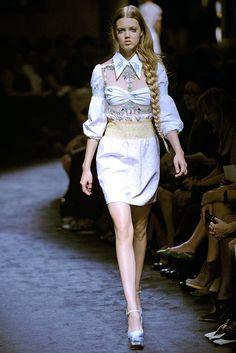 Miu Miu Spring 2010 Ready-to-Wear Fashion Show - Lindsey Wixson (Elite)