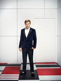 The Royals | Meet the Cast Exclusive Photos | William Moseley as Prince Liam