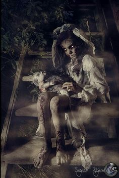 Creepy kids in scary movies! Gothic Horror, Creepy Horror, Arte Horror, Creepy Art, Creepy Dolls, Gothic Art, Horror Art, Creepy Stuff, Creepy Smile