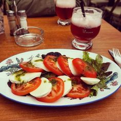 Simple yet tasty salad with Raspberry Beer