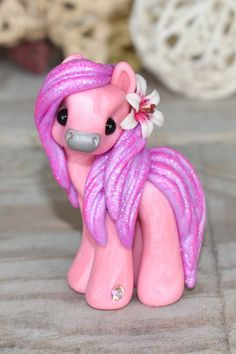 Polymer Clay Sculptures, Polymer Clay Creations, Polymer Clay Art, Clay Magnets, Cute Cartoon Drawings, Pony Horse, Cute Clay, Cute Horses, Clay Animals