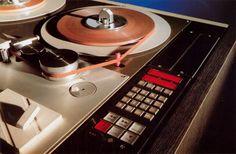 TELEFUNKEN magnetophon 15A - www.remix-numerisation.fr - Rendez vos souvenirs durables ! - Sauvegarde - Transfert - Copie - Restauration de bande magnétique Audio - MiniDisc - Cassette Audio et Cassette VHS - VHSC - SVHSC - Video8 - Hi8 - Digital8 - MiniDv - Laserdisc