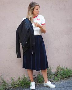 street style back to school with skirt Instagram @sofym