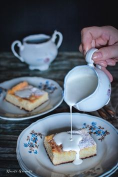 Alivanca moldoveneasca/Alivenci Cheesecakes, Food Photo, Panna Cotta, Food And Drink, Pudding, Ethnic Recipes, Desserts, Home, Sweets