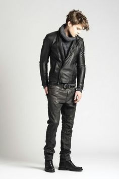 Leather head to toe Mens Leather Pants, Tight Leather Pants, Leather Jacket Outfits, Fashion Moda, Mens Fashion, Teenage Guys, Mens Dress Pants, Hommes Sexy, Young Fashion