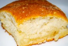 7up biscuits!  2 cups Bisquick; 1/2 c sour cream; 1/2 c 7up; 1/4 cup melted butter - 450 degree oven!!