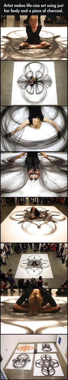 Une artiste qui fait des pieds et des mains pour nous exprimer ses émotions…
