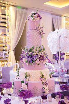 Floral Wedding Cakes lavish purple wedding cake idea with flowers - Extravagant Wedding Cakes, Dessert Bar Wedding, Creative Wedding Cakes, Purple Wedding Cakes, Lilac Wedding, Amazing Wedding Cakes, Elegant Wedding Cakes, Wedding Cake Designs, Wedding Colors