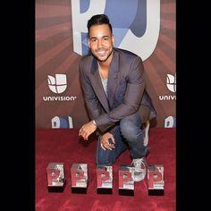 Congratulations to @romeosantos for winning five awards in #PremiosJuventud last night. #romeosantos
