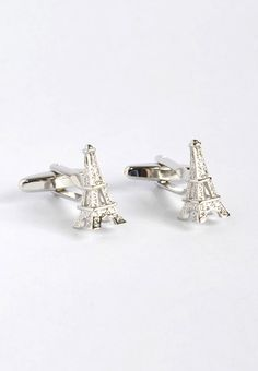 Eiffel Towers Cufflinks! Love France! #splicecufflinks #cufflink #cufflinks #mensfashion #men #mensaccessories #menstyle #style #singapore #england #fashion #fleamarket #unique #standout #groomsmencuffs #groomsmencufflinks #france #paris #prayforparis #eiffeltower http://www.splicecufflinks.com