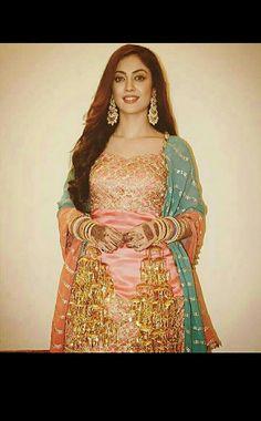 Aditi Sharma, Cute Celebrities, Dress Styles, Indian Fashion, Jin, Bridal Dresses, Aurora Sleeping Beauty, Fashion Dresses, Actresses