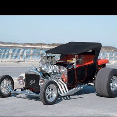 OMG. NOW THAT IS A FORD!!!