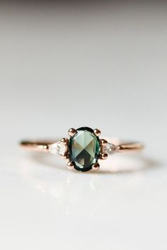 Perfection in rich green sapphire. Perfection in rich green sapphire. - Perfection in rich green sapphire. Perfection in rich green sapphire. Perfection in rich green sapp - jewelry Engagement Ring Rose Gold, Morganite Engagement, Engagement Ring Settings, Vintage Engagement Rings, Vintage Rings, Vintage Jewelry, Coloured Engagement Rings, Jewelry Rings, Fine Jewelry