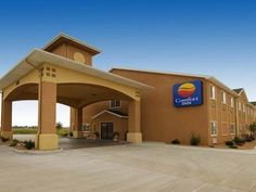 Great Bend (KS) Comfort Inn United States, North America Comfort Inn is a popular choice amongst travelers in Great Bend (KS), whether exploring or just passing through. The property features a wide range of facilities to make your stay a pleasant experience. 24-hour front desk, facilities for disabled guests, express check-in/check-out, Wi-Fi in public areas, car park are on the list of things guests can enjoy. Guestrooms are fitted with all the amenities you need for a good ...