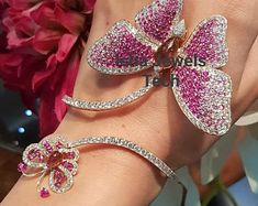 Diamond Bracelets, Diamond Jewelry, Bangle Bracelets, Ladies Bracelet, Pearl Bracelet, Butterfly Bracelet, Butterfly Jewelry, Cartier Love, Wedding Bracelet
