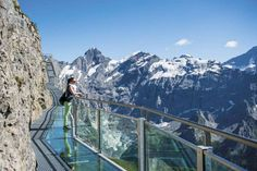 Thrill Walk op de Schilthorn in Zwitserland: GAAF! Vacation Places, Places To Travel, Places To See, Travel Destinations, Places Around The World, Around The Worlds, Switzerland Summer, Great View, Adventure Travel