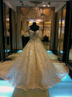 2013 Gorgeous Sweetheart A Line Cathedral Train Sequin Bridal Wedding Gown