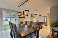 Dining Room and Contemporary and Warm Cuisine Living Room Chairs, Home Living Room, Living Room Furniture, Dining Room, Dining Table, Small Entryways, Apartment Renovation, Home Projects, Home Kitchens