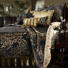 Very elegant and sophisticated! #bedding #bedsets #bedroom #homedecor #comforters #bedinabag