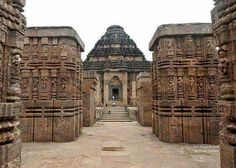 Explore 25 best places to visit in Orissa that give ultimate fun and enjoyment. Indulge in beautiful temples, scenic lakes, amazing beaches and many other. Temple Architecture, Indian Architecture, Installation Architecture, Ancient Architecture, Modern Architecture, India Tour, Hindu Temple, Seven Wonders, Tour Operator