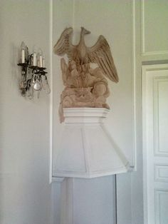 Beliński Palace in Otwock Wielki: (1) Chimney with phoenix, once adorned the rooms of Ludwika Maria Bielińska, (2) Room of marine landscapes with frescoes from the second half of the 17th century, (3) Vestibule, one of the 4 rooms of the palace with original decoration, original Baroque sculptures that filled the niches were destroyed between 1809 and 1828. © Marcin Latka #otwockwielki #artinpl #belinskipalace #17thcenturypalace #baroquepalace #tylmangamerski #baroquedecoration Baroque Sculpture, Vestibule, 17th Century, Fresco, Phoenix, Palace, Two By Two, Landscapes, Sculptures
