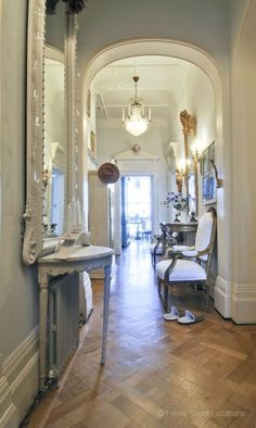 Stunning Hallways (images we like, not products of Chichi)