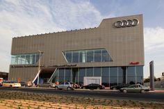 Audi Terminal Dubai - facade by moradelli.de