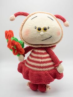 Plüschbiene Handarbeit, gehäkelt. Unser Weich Spielzeug ist unsere Leidenschaft und wurde mit der Liebe gemacht. Crochet Animals, Baby, Christmas Ornaments, Holiday Decor, Gifts For Birthday, Passion, Bees, Cuddling, Puppets