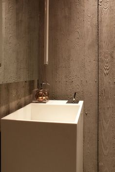 *bathroom design, modern interiors, Sinks, wall textures* - Ubon (Thai Bistro) by Rashed Alfoudari