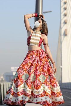 Indian Bridal Lehenga, Indian Beauty Saree, Lehenga Style, Lehenga Choli, Indian Dresses, Indian Outfits, New Punjabi Suit, Simple Kurta Designs, Bridal Mask