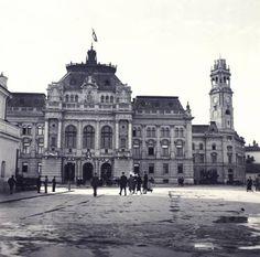 El teatro Szigliteti en 1940, de nuevo ondeando la bandera húngara