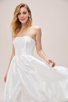 Available to try in Sydney and Melbourne #wedding #australianwedding #melbournebride #sydneybride #bohobride #bride #ausbride #australianbride #realbride #weddinginspiration #melbourne #sydney #elopement #covidwedding #weddinginspo #romanticbride #romanticwedding #bridesmaids #bridesmaidgowns #bridal #bridalgown #weddingdress #affordablebridal #australianbride #australianbridal #couture #lacewedding #laceweddingdress #shortweddingdress #tealengthweddingdress #engagementdress #bridalshower Bridal Gowns, Wedding Gowns, Affordable Bridal, Engagement Dresses, Melbourne Wedding, Tea Length Wedding Dress, Little White Dresses, Boho Bride, Sydney