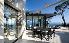 modern #villa #patio #terrace w/ocean view | Villefranche sur Mer coastline