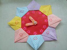 꽃보다 아름다운사람 수호천사 문경숙님의 블로그 :: 색종이 접로 '시계만들기' Origami, Craft Ideas, Holiday Decor, Crafts, Pinata Cake, Paper, Manualidades, Origami Paper, Handmade Crafts