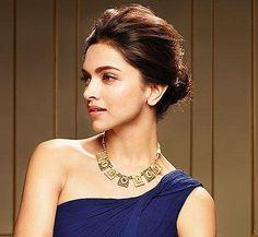 Hairstyles For Gowns, Bollywood Hairstyles, Bollywood Celebrities, Bollywood Fashion, Dipika Padukone, Deepika Padukone Style, Beautiful Bollywood Actress, Kareena Kapoor, Priyanka Chopra