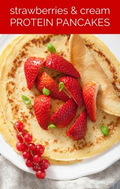 Dr Oz revealed the recipe that won third place in his high protein pancake contest, and this recipe had a delicious fruit addition! http://www.recapo.com/dr-oz/dr-oz-recipes/dr-oz-strawberries-cream-protein-pancakes-recipe/
