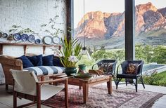 Arizona dream Influences du Far West et matières brutes Living Room Goals, Living Room Decor, Living Rooms, Ranch, Arizona, Room Interior, Interior Design, Italian Farmhouse, Farmhouse Renovation