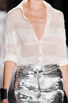 """Blog Le Style NAF NAF. Artículo """"Blusas Blancas: estilo sin límite"""".  http://blog.nafnaf.com.co/content/blusas-blancas-estilo-sin-l%C3%ADmite?utm_source=Pinterest&utm_medium=Social&utm_content=13072015-blog-blusas-blancas-estilo-sin-limite&utm_campaign=blusas-blancas-estilo-sin-limite"""
