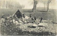 Teknővájó cigányok Hungary, Old Photos, The Past, Culture, Painting, Art, Old Pictures, Art Background, Vintage Photos