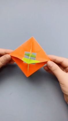 Paper Gyro Windmill Video, Origami Crafts Production Video Tutorial - New Site Diy Crafts Hacks, Diy Arts And Crafts, Creative Crafts, Fun Crafts, Crafts For Kids, Handmade Crafts, Paper Crafts Origami, Diy Origami, Origami Tutorial