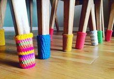 Tricoter des sous-pattes pour protéger le plancher.