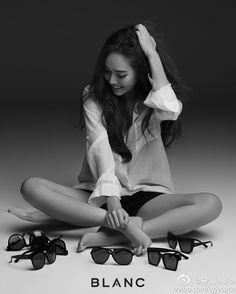 Jessica for 'BLANC'