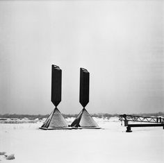 "Two of the three exemplars of Barnett Newman's ""Broken Obelisk,"" 1963–67, on display in the field at Lippincott. © 2010 The Barnett Newman Foundation, New York, NY, Artists Rights Society (ARS, New York, NY). Photograph by Donald Lippincott."