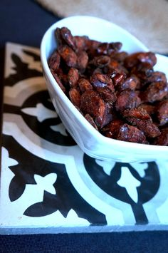 Oddeco | Brända mandlar Beans, Vegetables, Happy, Christmas, Food, Yule, Xmas, Meal, Beans Recipes
