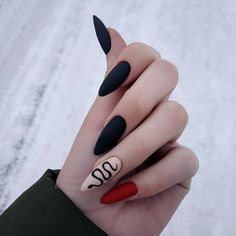 Uploaded by Julia Salgado. Find images and videos about pink, black and red on We Heart It - the app to get lost in what you love. Punk Nails, Edgy Nails, Grunge Nails, Stylish Nails, Trendy Nails, Swag Nails, Halloween Acrylic Nails, Black Acrylic Nails, Best Acrylic Nails