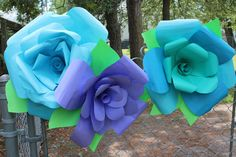 """DIY Instructables Party Backdrop of colorful, Gigante Paper Flowers! Perfecto for a Quinceanera, Frida Kahlo Fiesta, or Cinco De Mayo Party! Or order muy bonito 13"""" flowers (not pictured) here: http://casabonampak.com/xlfatrfl.html"""